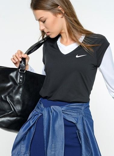 Nike V Yaka Tişört Siyah